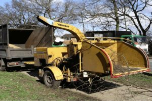 10 Best Wood Chipper Shredders [ 2021 ]